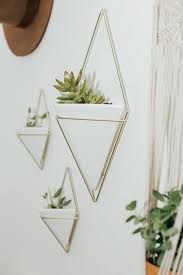 cute ways to hang pictures peeinn com