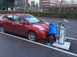 nissan leaf new zealand my e life now charging the leaf at an autolib station take 3