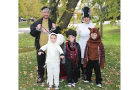 Halloween Costumes For Families by The Best Family Halloween Costumes Wsj