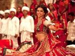 Deepika and Ranveer dance to tune of Garba in Ram-Leela