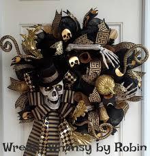 Halloween Skeleton Props by Halloween Skeleton Black U0026 Gold Deco Mesh Wreath Skeleton Wreath