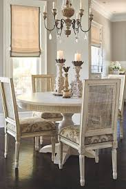 Dining Room Table Decor Ideas by Best 20 Dining Table Centerpieces Ideas On Pinterest Dining