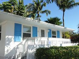 bright u0026 clean tropical bungalow with pool vrbo