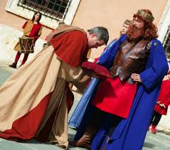 From June 13th  to 17th the Festival of Barbarossa in San Quirico DOrcia.