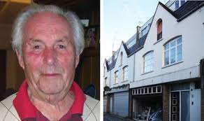 But when estate agent Malcolm Collins visited Mr Hill he asked the pensioner how much he wanted for the property rather than carrying out a ... - Untitled-5-460557