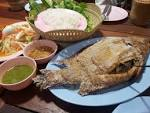 """ร้านอาหารอีสานรสแซ่บ สไตล์ ฮาล้าลฟูด """"เมี่ยงปลาเผา หลังราม สาขาทับ ..."""