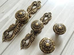 Kitchen Cabinet Door Knobs And Handles by Dresser Knob Drawer Knobs Pulls Handles Antique Bronze Kitchen