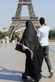 Exceptions à la Burka Images?q=tbn:ANd9GcT4qj0-6kcdJENJv_x57iJxRYAIjw_0P7QrFInBvonOshRngM-2