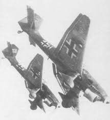 Cazas y ases de la segunda guerra mundial . Images?q=tbn:ANd9GcT5Lw-UGc_JCtYa8jaG19Gh6FIVDBONCsRfjQQ6x3G9xcW12dXPWA