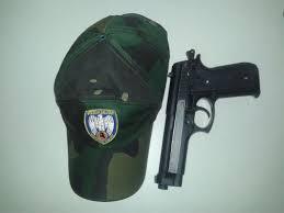 Menores são apreendidos com arma de fogo falsa em Vitória   Folha ...