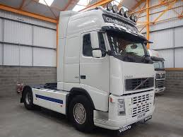 2004 volvo truck volvo fh12 globetrotter xl 4 x 2 tractor unit 2004 hx54 vmp
