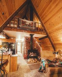 How To Build A Cottage House by Best 20 Tiny Log Cabins Ideas On Pinterest Tiny Cabins Log