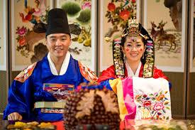 Nunta Traditionala in Coreea Images?q=tbn:ANd9GcT9aTdxe0sTY5One2L8JzXKxMMHspTA9vq27RPVoIkJrkilhq0