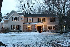 Decorate Your Home For Cheap by Decorating The Outside Of Your House For Christmas Vintage