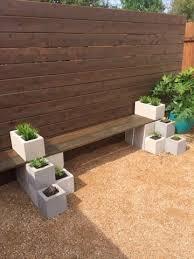 Build Wood Garden Bench by Best 25 Cinder Block Bench Ideas On Pinterest Cinder Block