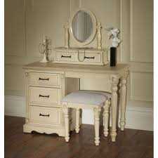 Antique White Youth Bedroom Furniture Bedroom Bedrooms Decorated In White Kids White Bedroom Furniture