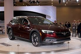 buick eight cool things you need to know about the 2018 buick regal