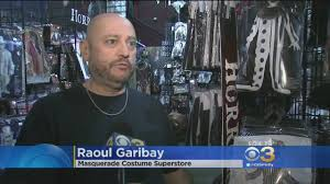 killer clown costume spirit halloween clown costumes a item at halloween stores amid threats youtube