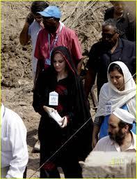 pakistan angelina jolie 09