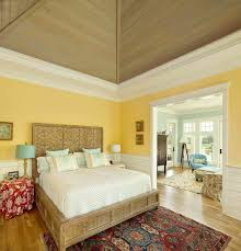 46 master bedrooms with a sitting area a high ceiling is dominates here but what catches the eye are the colors