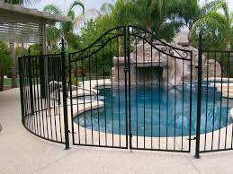 privacy fence ideas for courtyard amazing home decor