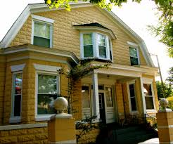 Gambrel Roof What Roof Style Is Right For Your Home Mr Roof
