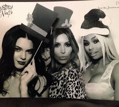 kendall jenner kim kardashian and blac chyna take a holiday photo