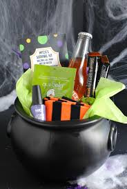 Halloween Gift Basket by 25 Cute Halloween Gift Ideas To Give Your Friends U2013 Fun Squared