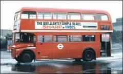 Londres aposentará modelo de ônibus de dois andares | BBC Brasil ...