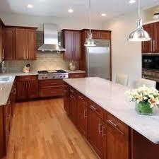 Kitchen Backsplash Cherry Cabinets by Traditional Medium Wood Cherry Kitchen Cabinets 40 Kitchen