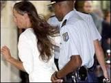 Britânica é condenada por ter 'rede gigante de prostituição'