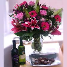Flowers Delivered Uk - baileys u0026 chocolates 37 99 online flowers free delivery in the uk