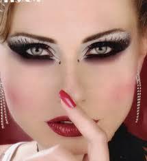 مكياج روعة ورسم عيون يجنن images?q=tbn:ANd9GcT