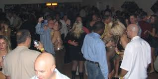 Photos  Top    swingers clubs in Canada   reply   retweets    likes