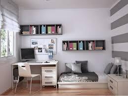 petite deco dans la chambre de mon fils de 12ANS Images?q=tbn:ANd9GcTZcqbeaRhYwY9cJPvTKwKiUqCPnxB4emAd0WX-DxO2re7WuDWH