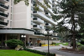 Park Avenue Apartment Grenadier Square High Park Toronto On Walk Score