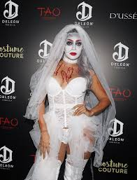 how to look scary for halloween celebrity halloween costumes 2016 popsugar celebrity