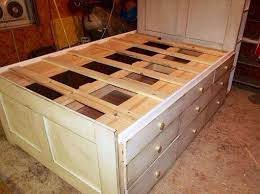Build Your Own Platform Bed Base by 25 Best Queen Bed Frames Ideas On Pinterest Queen Platform Bed