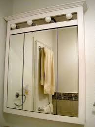 Mirrored Medicine Cabinet Doors by Best 25 Medicine Cabinets With Lights Ideas On Pinterest