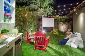how to make an easy outdoor movie screen hgtv