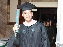 Master     s Programs   School of Public Health and Tropical Medicine Tulane School of Public Health   Tulane University Alumnus Jaffer Shariff with MPH diploma on graduation day