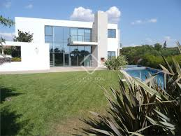 comtemporary house with 4 bedrooms in cascais