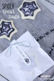 spider cookie halloween gift tag