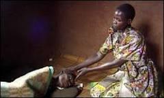 Contaminação de mulheres pelo HIV abala estrutura familiar | BBC ...