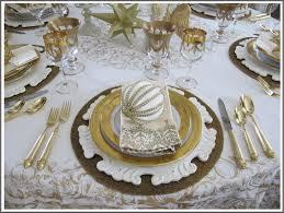 8 elegant christmas table settings