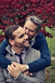 Unique Ways to Meet Gay Men   Astroglide Astroglide Your dream date doesn     t need to be a professional comedian to have a great sense of humor and a comedy show is the perfect place to meet gay men who love to
