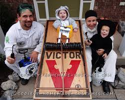 coolest pest control family costume catch that mouse
