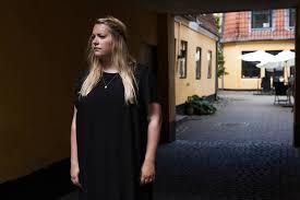 Cecilie Kunz Paulsen har skrevet frem og tilbage med kundeservice i Luxplus og mener  at Jyllands Posten