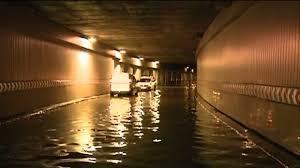 Utile - Pasajul Unirii, inundat si inchis