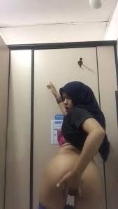 Malaysia girl nude|Hot Malaysian girl nude dance